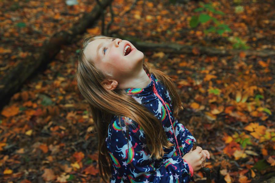 Nichtstun fördert dein Kind! Erfahre hier 3 Möglichkeiten, wie du dein Kind dabei unterstützt.